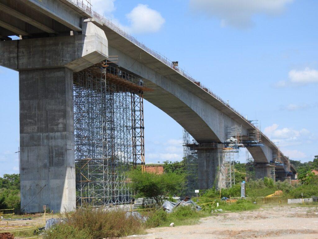 Viaducto sobre el Rio Magdalena